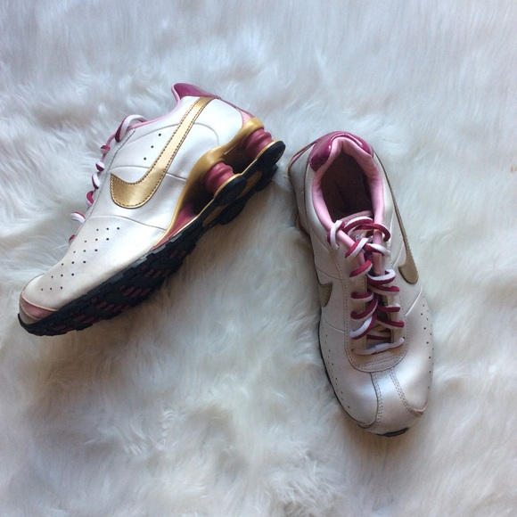 Women s Nike Shox R4 Running Shoes White pink gold.  M 5acbc37200450f70c501ab6f c5debd48f